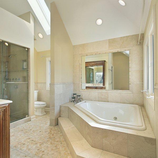 Master bath with large tub