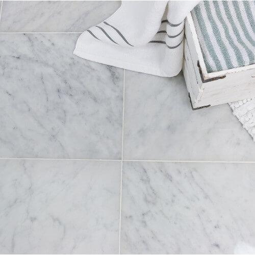 Marmura Carrara 20x60x2 cm Lustruita